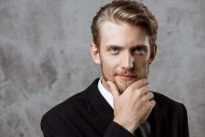 ¿Cómo aumentar la testosterona para conseguir una barba más frondosa?